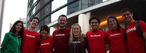 Victor e a equipe do Facebook