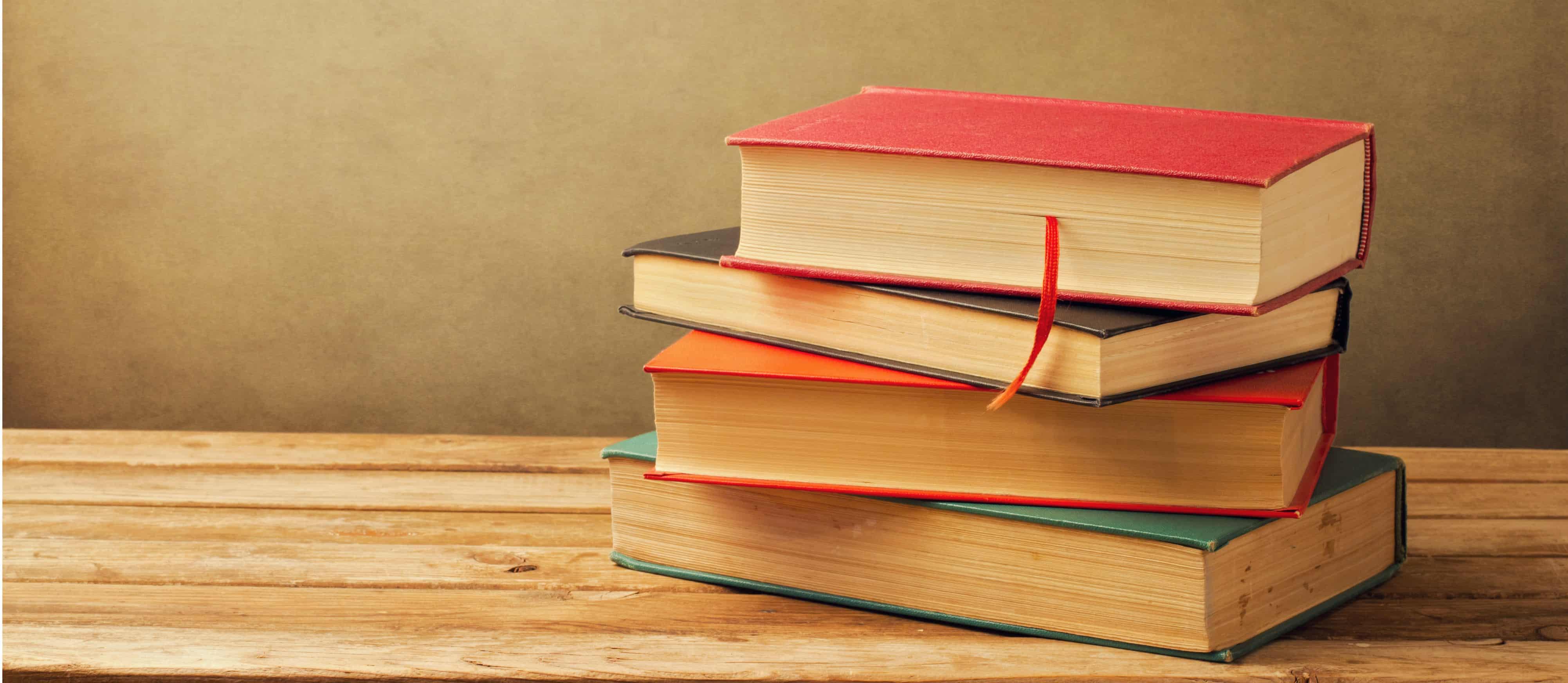Resultado de imagem para livros