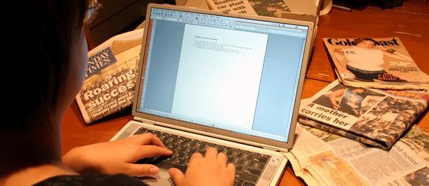 Upenn oferece cursos gratuitos de inglês para jornalismo e negócios