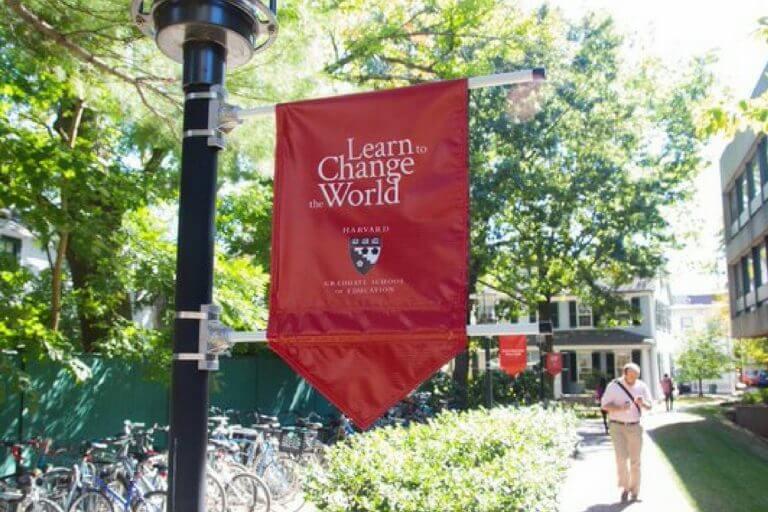 Participe de palestra gratuita com Harvard sobre pós-graduação!
