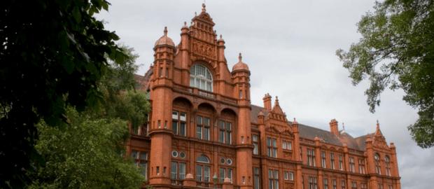 Bolsas para graduação e mestrado na Inglaterra