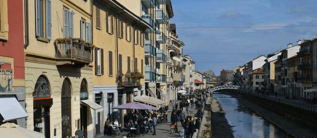 Canal em Milão, Itália