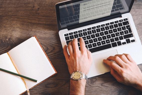 Quer fazer cursos online durante as férias? Conheça opções gratuitas (ou quase)