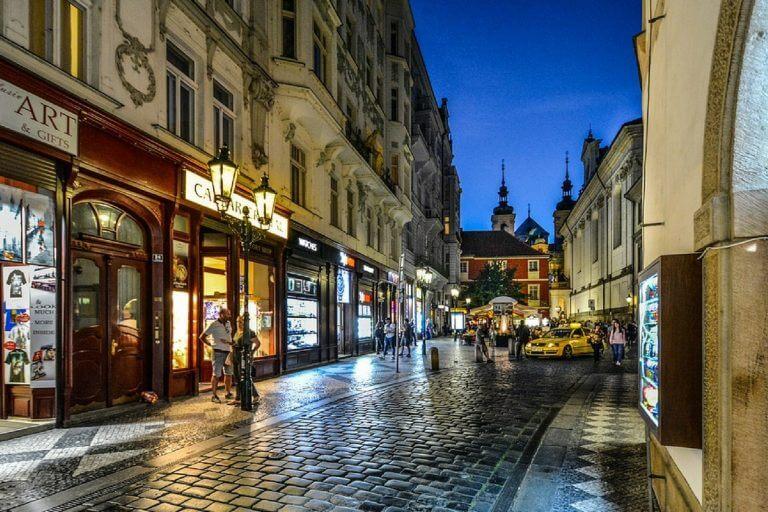 As melhores bolsas para quem quer estudar no Leste Europeu