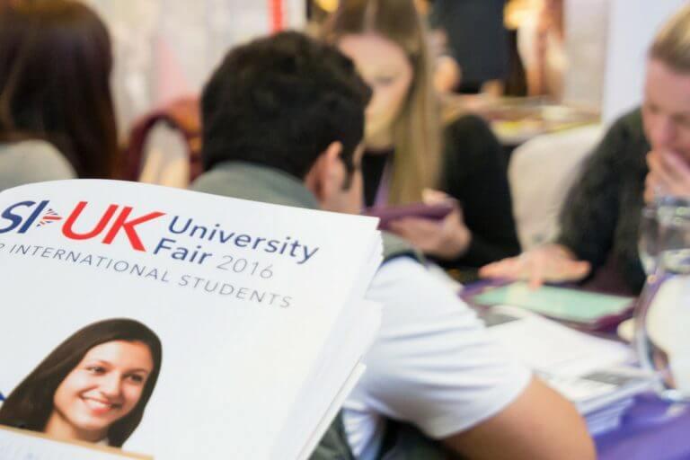 Universidades britânicas divulgam bolsas para brasileiros em evento gratuito