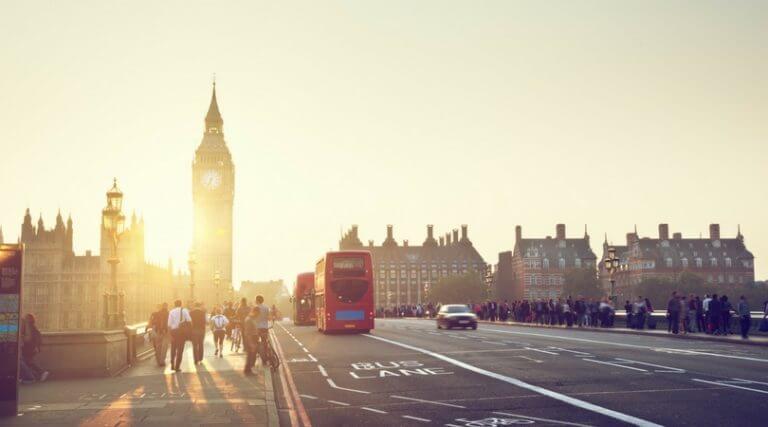 O que você deve fazer HOJE para conseguir estudar no exterior AMANHÃ