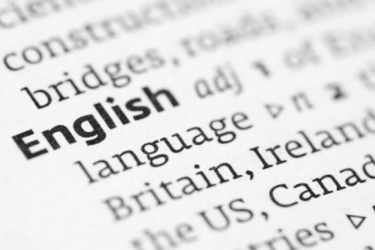 Como diferentes sotaques de inglês influenciam estudos no exterior